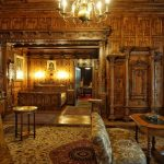 sinaia-peles-castle-bedroom